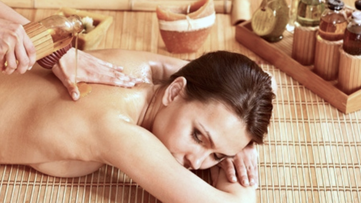 Relaxing-Aromatic-Body-Massage