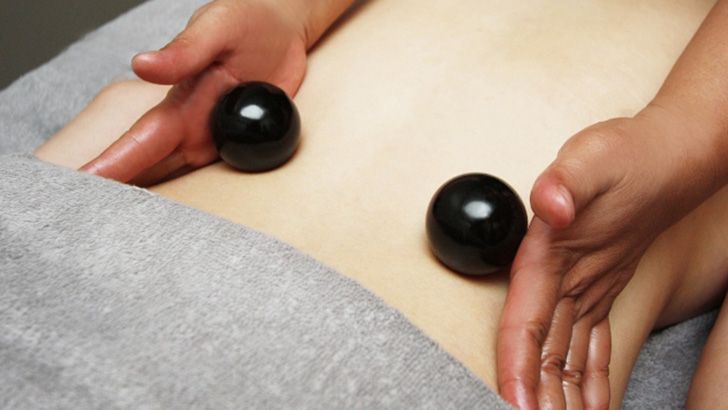 Revitalizing-Rolling-Relaxing-Body-Massage